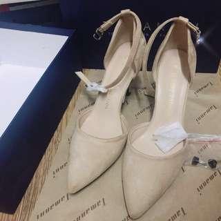 淺杏色高爭鞋