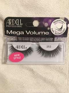 Ardell Mega Volume Falsies