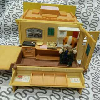 Sylvanian Hamburger Wagon