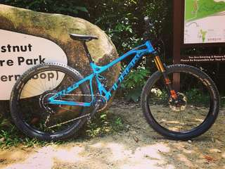 Mondraker FoxyR frame with front and rear shock