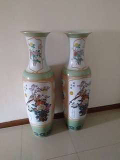Tall vase ( Price can Nego )