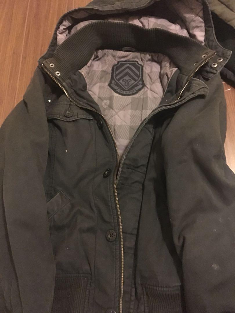 Aritzia jacket black size medium