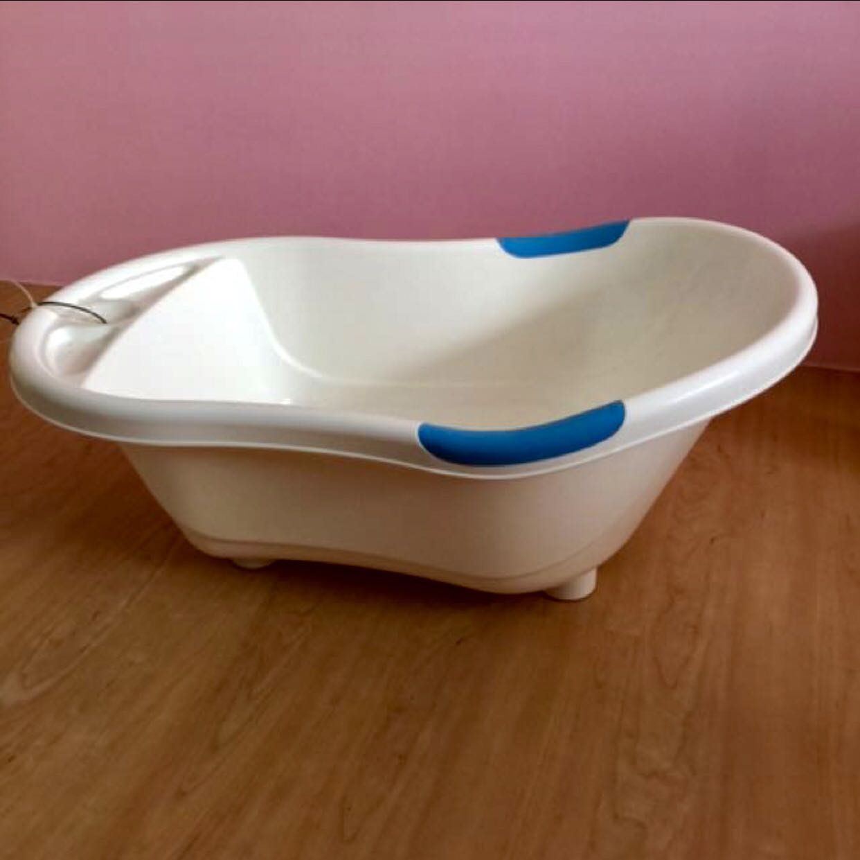 GRACO baby bath tub (Large), Babies & Kids on Carousell