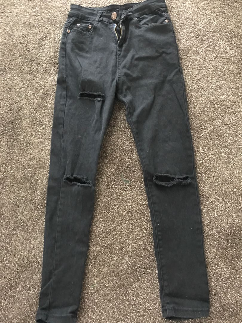 High waisted Ripped jeans size 6-8