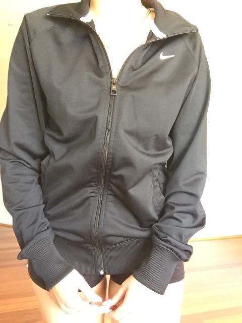 Including post- Nike jacket size M