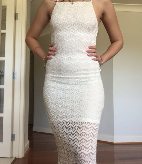 Including post- white lace dress XS