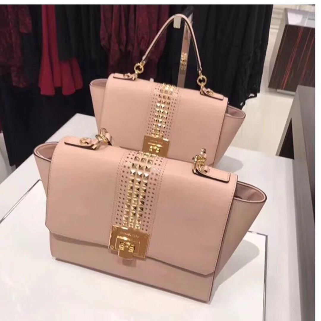 5302735e174d ... spain michael kors studded chain bag studded tote bag cream luxury bags  wallets on carousell d0bad
