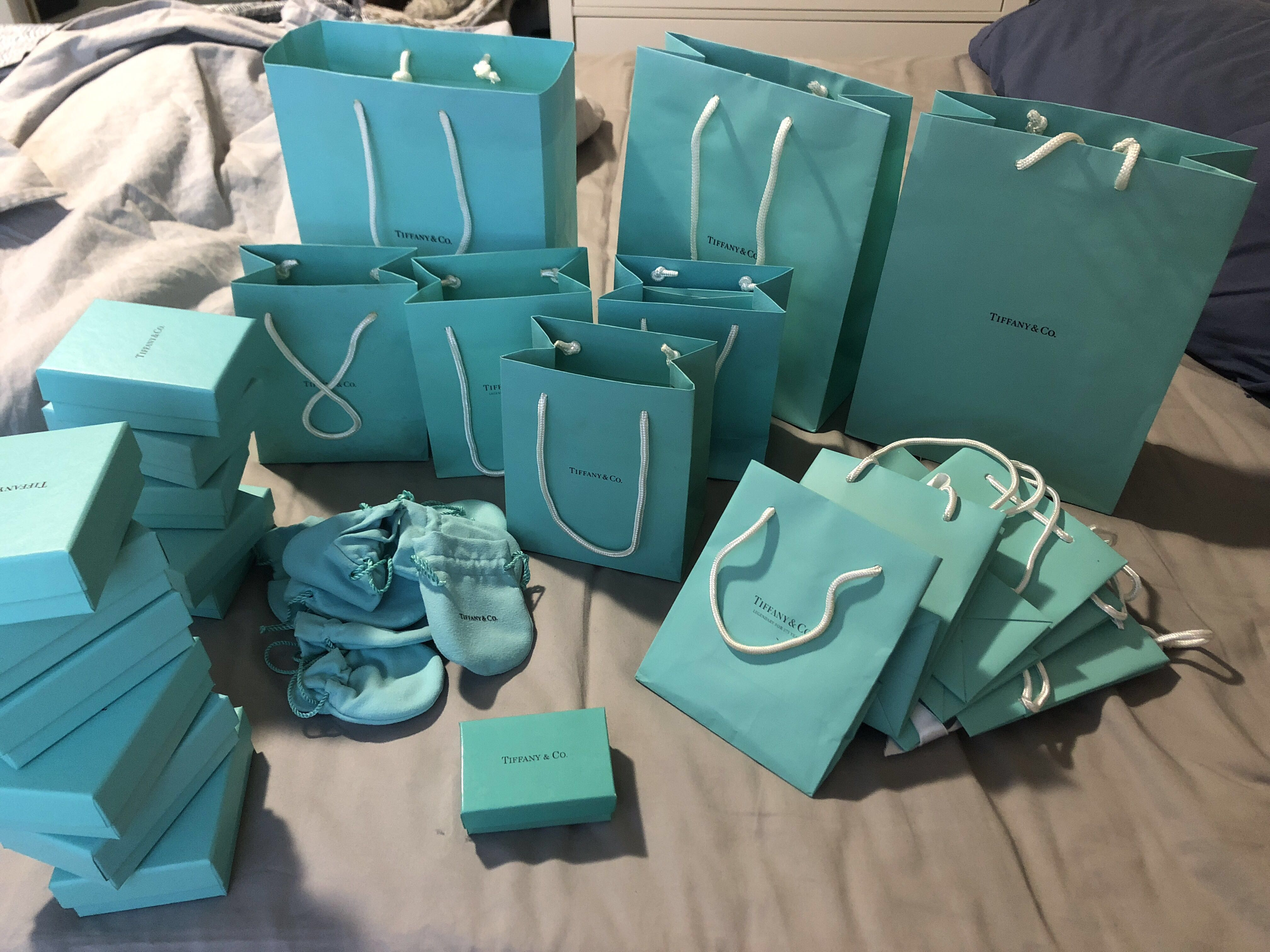 1a184c28bbc Range of real Tiffany & Co gift bags and boxes, Women's Fashion, Bags &  Wallets on Carousell