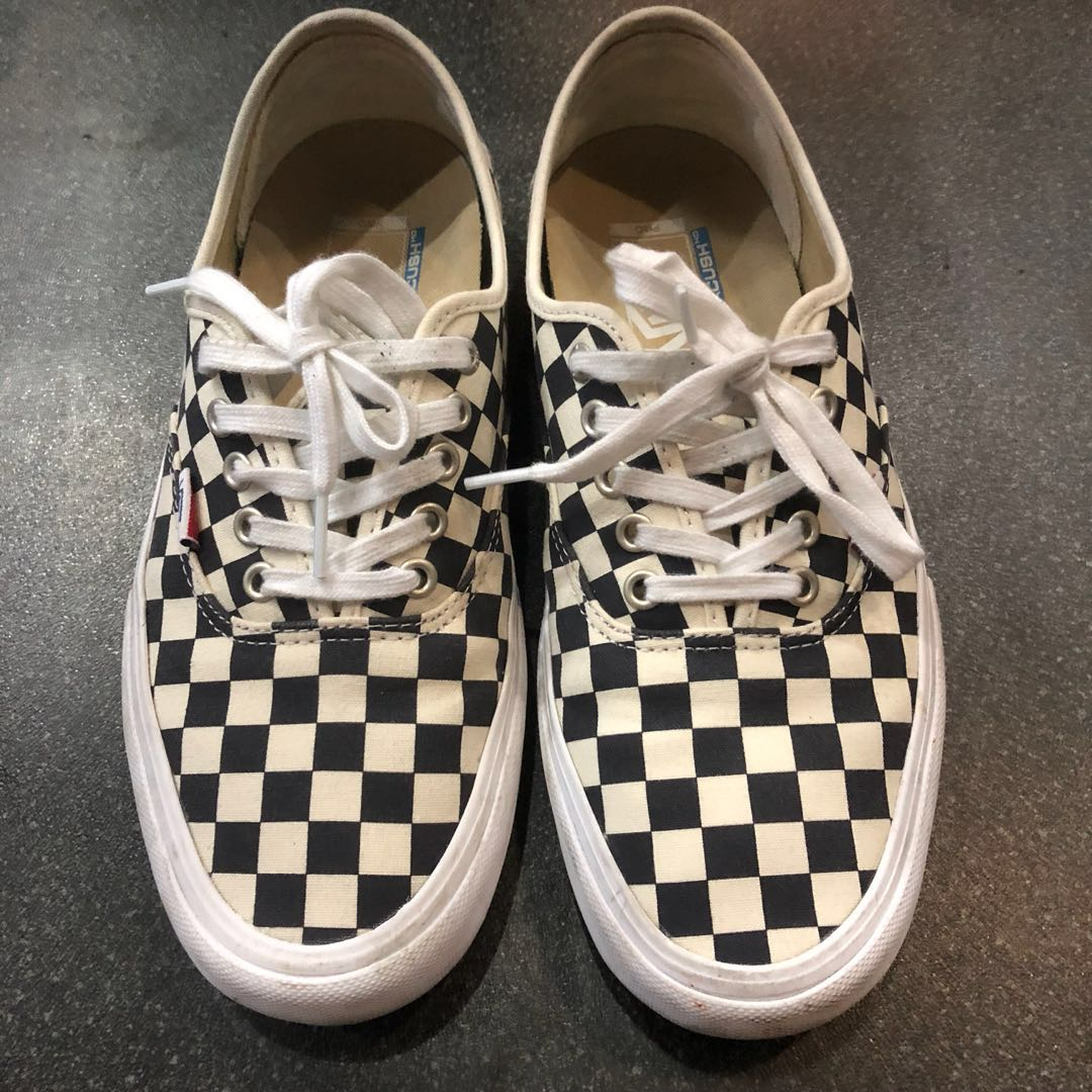 1d5ab903f0 Vans Authentic Pro Checkerboard UltraCush US 9.5   UK 8.5