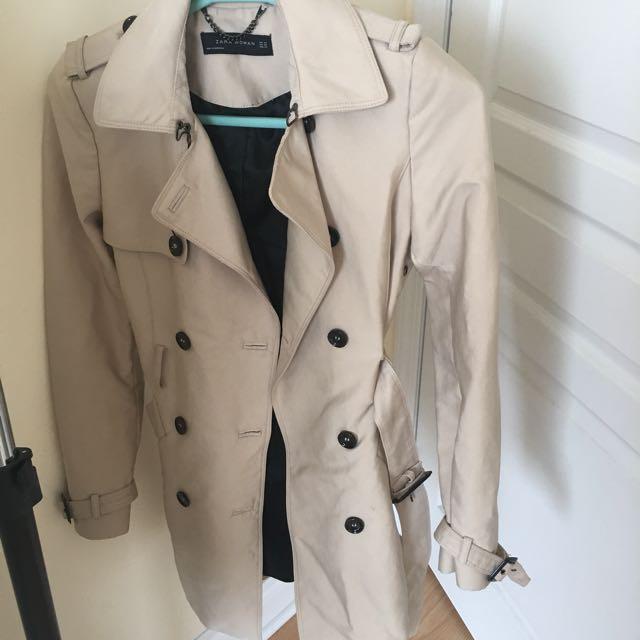 Zara trench coat XS