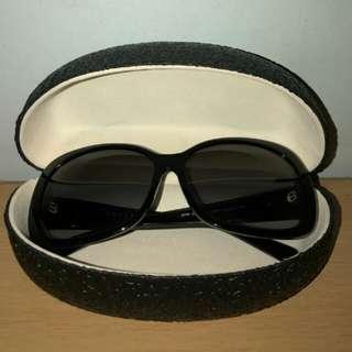 Kacamata wanita prada