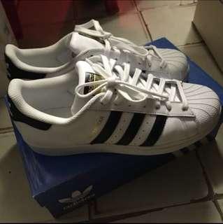 Adidas Superstar Classic款