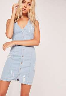 Missguided Ripped Button Through Denim Dress in Mid Blue