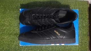 Authentic Gazelle Adidas