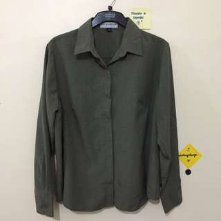 ❗️REPRICED❗️Olive Green Button Up Long Sleeved Top
