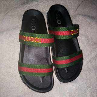GUCCI SLIPPERS🌹