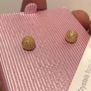 101 % Authentic 18k Gold Earrings (Pawnable)