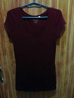 Guess maroon perfect tee XS