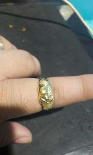 18k saudi gold ring size 7
