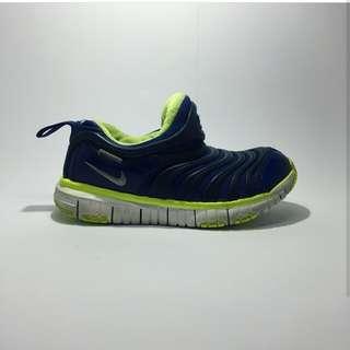 Sepatu nike dynamo free