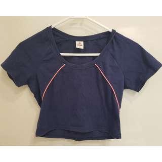 Cropped Le Coq Sportif shirt - Size M (Free postage)