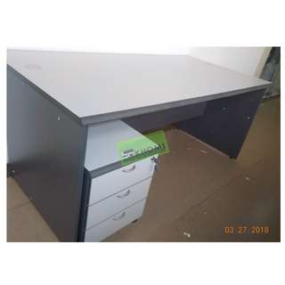 SERIES  EXECUTIVE TABLE W MOBILE PED SIDE CABINET LIGHT GRAY