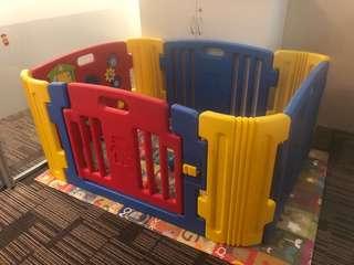 Haenim 4 panels Play Yard