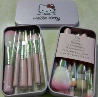 Brush make up hello kitty
