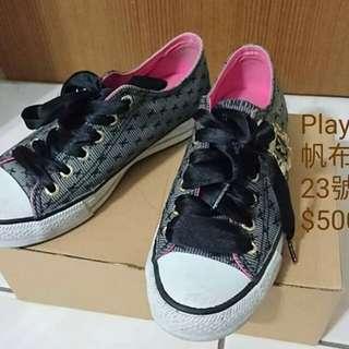 🚚 Playboy帆布鞋