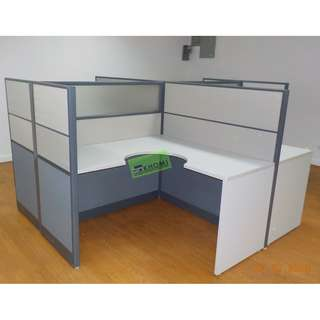 L TYPE WORKSTATION W PARTITION (FABRIC W GLASS) MOBILE PED