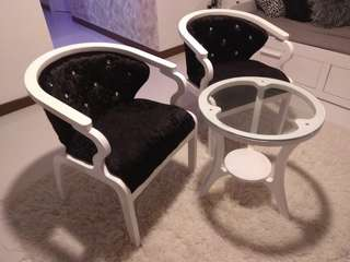 B&W Coffee Table & Chair Set