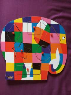 Wooden puzzle peek a boo colourful