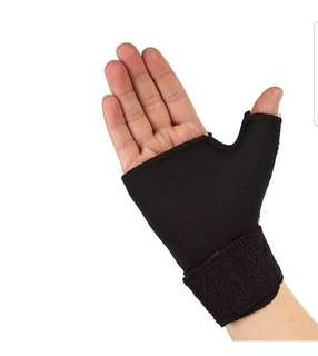 (wrist support) with thumb support