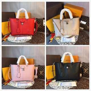 LV Handbag PERNELLE M54780