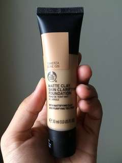 The Body Shop Matte Clay Skin Clarifying Foundation 026TamerzaDune