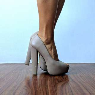 Forever 21 Nude Peep Toe Platform Shoes