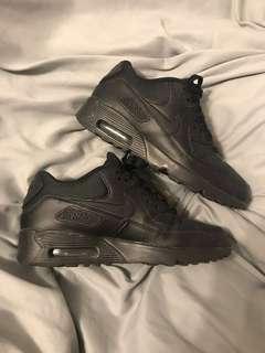 Nike Air Max 90, All Black Mesh, 5Y