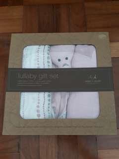 Aden + Anais baby gift set