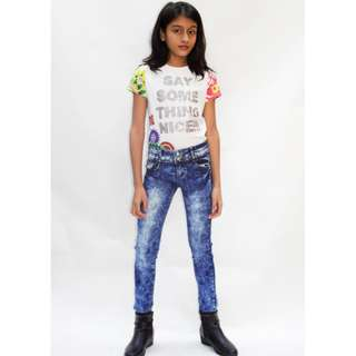 Skinny jeans with printed flower details pockets