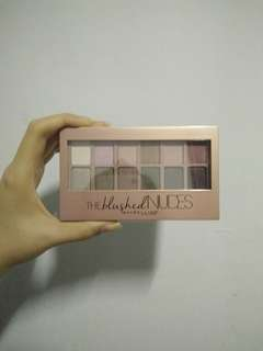 Eye shadow! Maybelline (the blushed nudes)