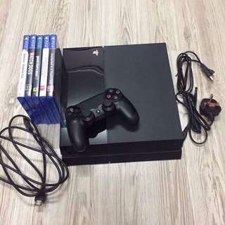 PS4 500GB + 5 GAMES + 1 DUALSHOCK®4 WIRELESS CONTROLLER (USED)