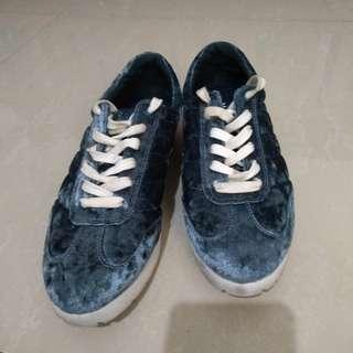 Auth Mango Sneakers