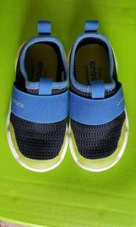 Crocs kids sandals C7 (for boy)