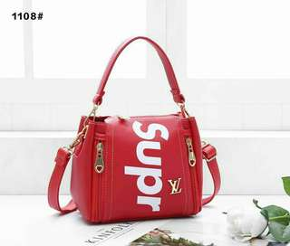 FREEPOS😯Lv supreme handbag
