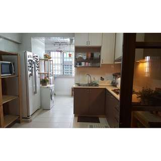 100% MOVE IN CONDITION!! 4ROOM JUST ABOVE MARKET WITH BALCONY!!