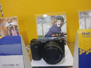 Camera sonny mirrorless alfa6000 Black dijual kredit