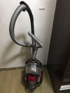 伊萊克斯吸塵機