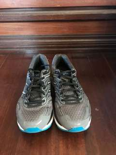 Asics Men's Running Shoes (US9) - Must go!!