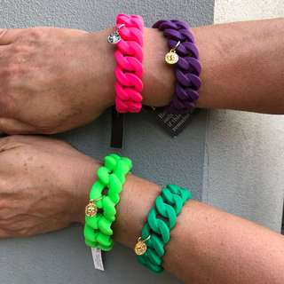 Women's  Rubber  Bracelets with charm x 4