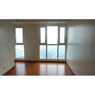 2BR Unit For Lease in Axis Residences